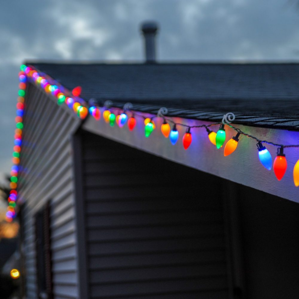 christmas light hanging